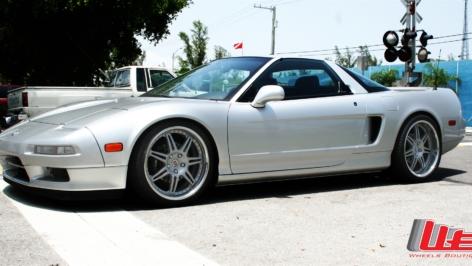 Acura NSX on HRE 591R