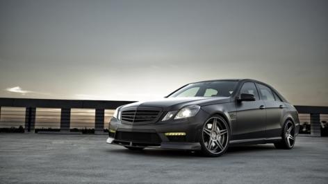 Mercedes E63 on ADV05 Deep Concave
