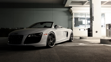 Audi R8 on ADV05 Deep Concave