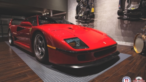 Ferrari F40 on HRE 547