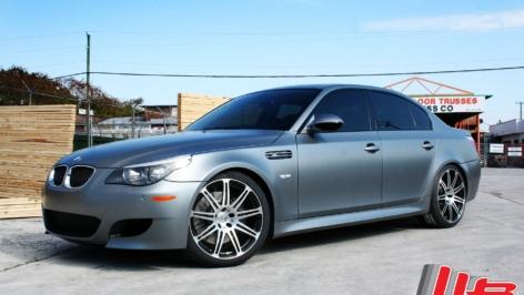 BMW E60 M5 on HRE P41