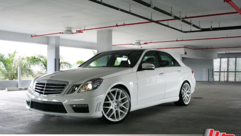 Mercedes E63 on HRE P40