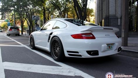 Porsche Turbo on HRE C109