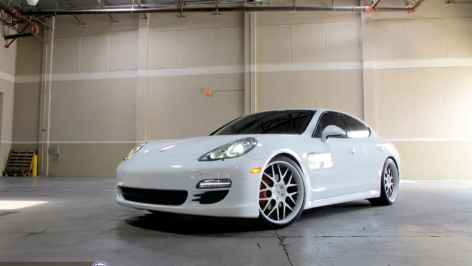 Porsche Panamera S on HRE 940R