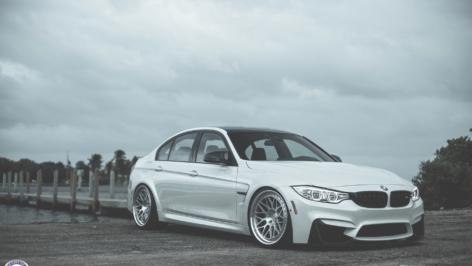 BMW F80 M3 (White) on HRE Classic 300