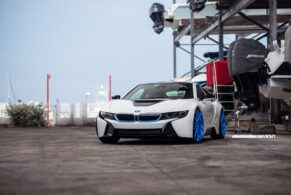 BMW i8 on ADV10R MV2 CS