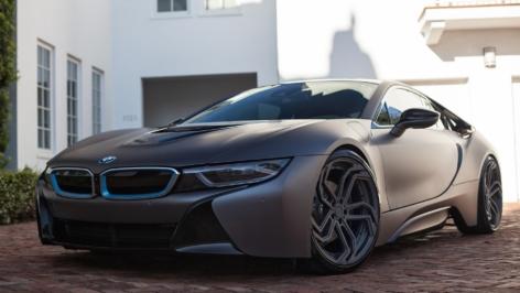 BMW i8 on ADVNL2 MV2 CS & M5 on ADV5.2 MV2 CS