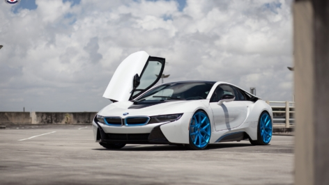 BMW i8 – White – on HRE P101