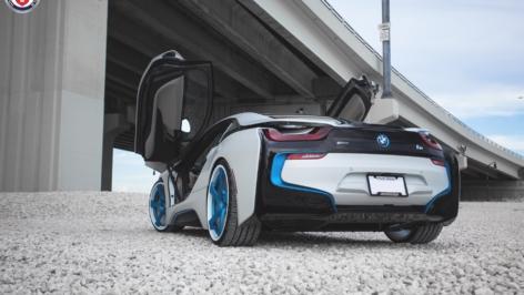 BMW i8 on HRE RS102