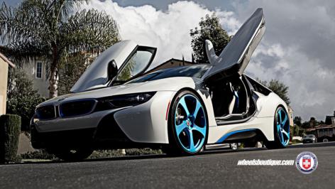 BMW i8 on HRE RS102M