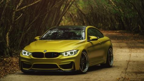 BMW M4 on ADV06 TF CS