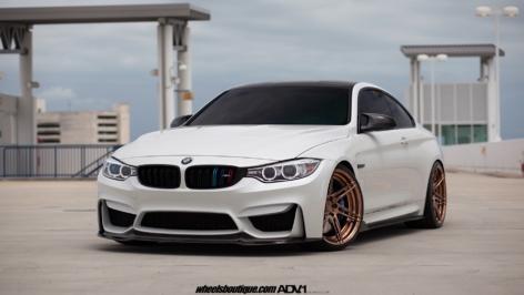 BMW M4 on ADV06 R MV2 CS