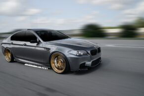 BMW M5 F10 on ADV5.2 MV2 CS