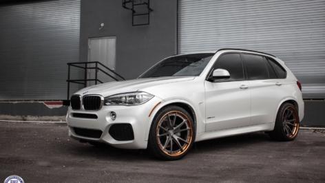 BMW X5 on HRE S104