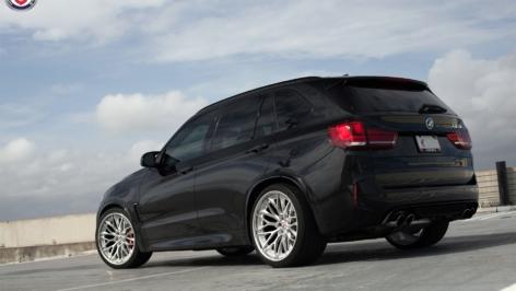 BMW X5M on HRE S200