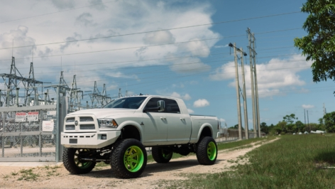 RAM 2500 on ADV08 Truck Spec HD Series