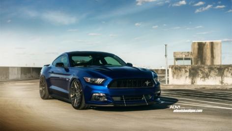 Ford Mustang GT/CS on ADV7R MV2 CS