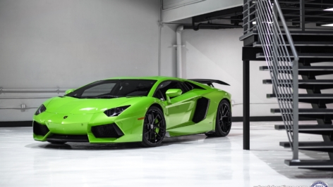 Lamborghini Aventador on HRE P101