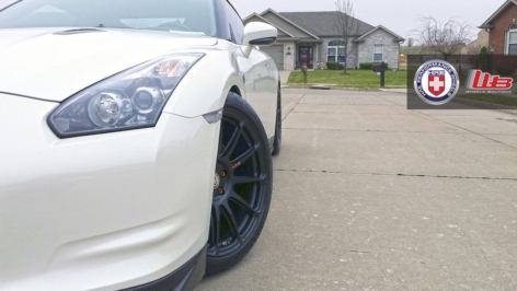 Nissan GTR on HRE P43SC