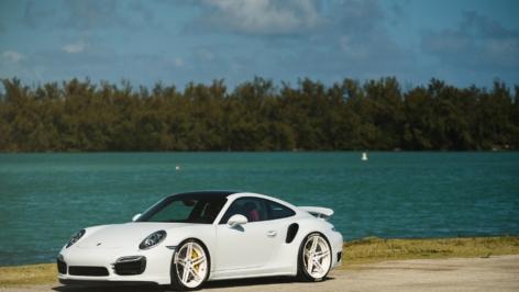 Porsche 991 Turbo S on ADV05MV2CS