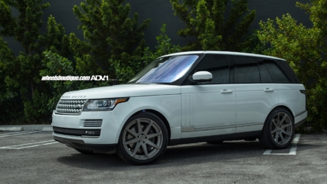 Range Rover on ADV08 MV2 Standard