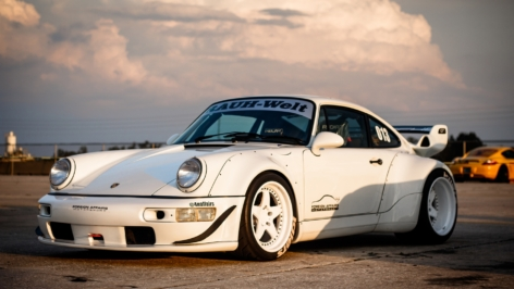 Porsche 964 Turbo RWB on ADV5 Track Function