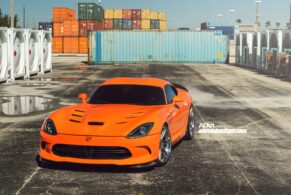 SRT Viper on ADV06|R Track Spec CS