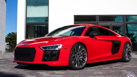 Audi R8 V10 Plus on HRE P200