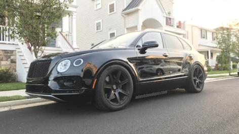 Bentley Bentayga on HRE TR107