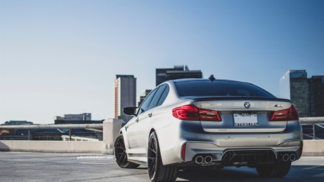 BMW F90 M5 on HRE P101