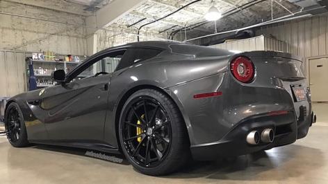 Ferrari F12 on HRE S204H