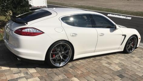 Porsche Panamera (970) on HRE S101