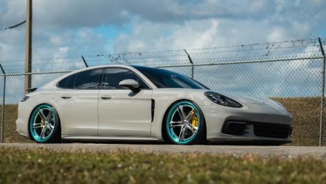 Porsche Panamera on HRE S207H