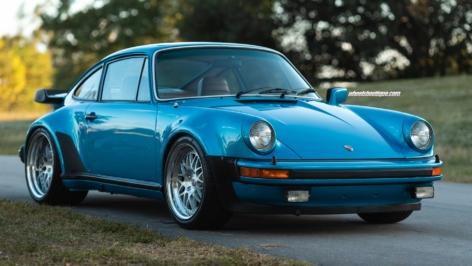 Porsche 930 Turbo on HRE 540