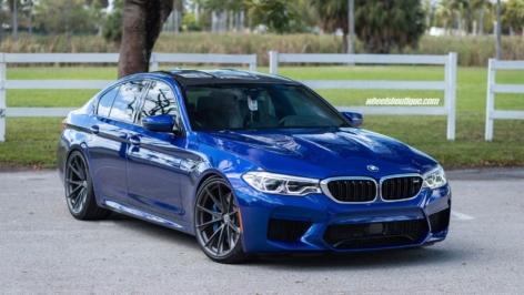 BMW F90 M5 on HRE P204