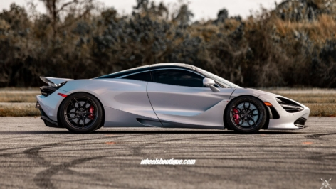 1/4 Mile Record Holding McLaren 720S on ANRKY AN11