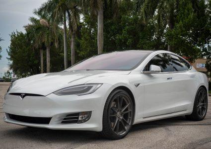 Tesla Model S on HRE FF04
