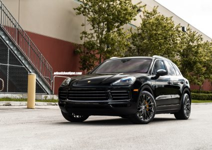 Porsche Cayenne on HRE P200
