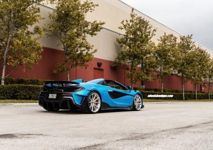 McLaren 600LT MSO Ludus Blue Spider on HRE P104SC
