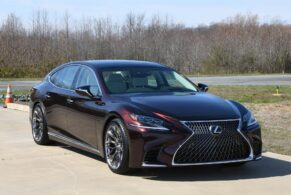 Lexus LS500 on HRE P200