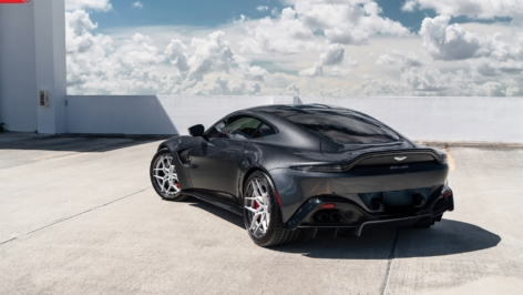Aston Martin Vantage on ANRKY S3-X4