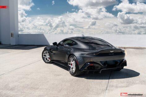 Aston Martin Vantage on ANRKY S3-X4