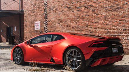 Lamborghini Huracan EVO on HRE R101 Lightweight