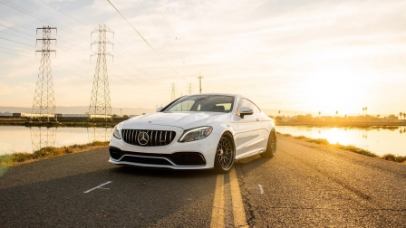 MERCEDES-BENZ W205 C63S COUPE ON HRE CLASSIC 300