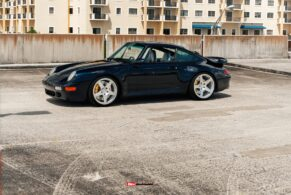 Porsche 993 Turbo on HRE 305M